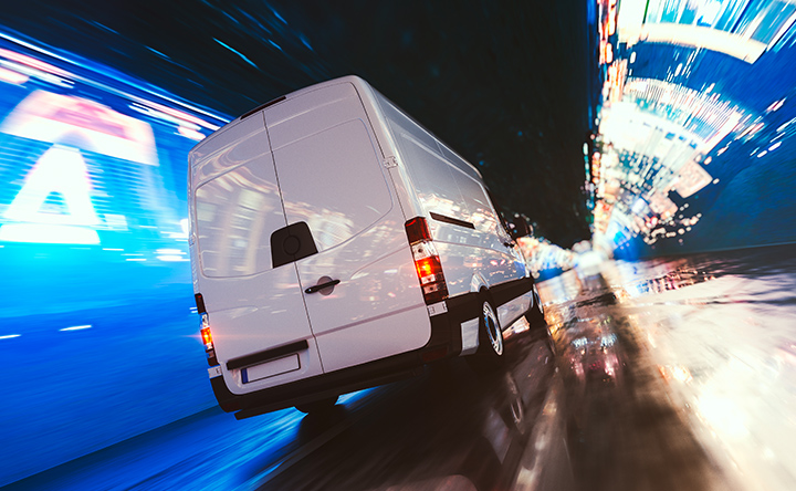 Galvanic isolation in electrical commercial vehicles